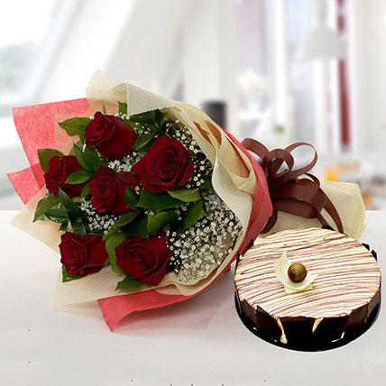 Enchanting Rose Bouquet With Marble Cake BH: Cake Delivery in Bahrain