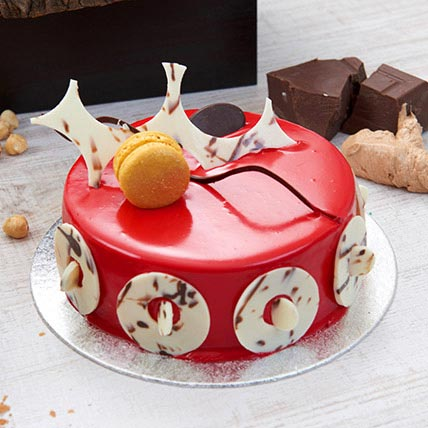 Mouth Watering Red Velvet Cake: Cake Delivery in Bahrain