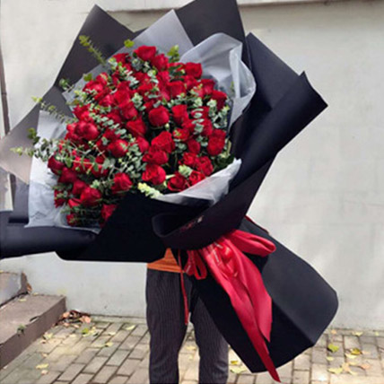 Love You Red Rose Bouquet: Gifts To China