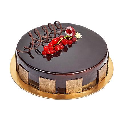 500gm Eggless Chocolate Truffle Cake: Anniversary Cakes to Umm Al Quwain