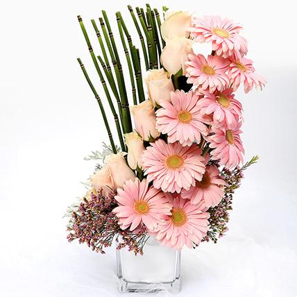 Heartfelt Mixed Roses and Gerbera Arrangement: