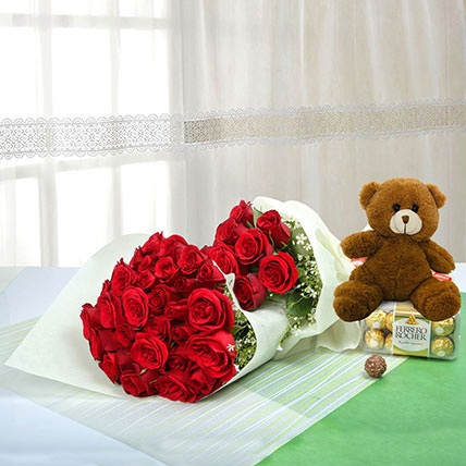 Passionate Gift Of Love: Flowers & Teddy Bears for Mothers Day