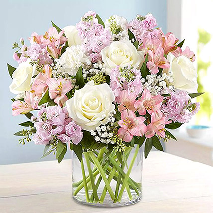 Pink and White Floral Bunch In Glass Vase: Bouquet of Roses