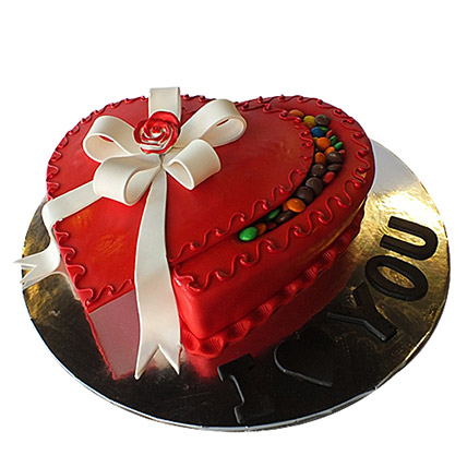 Red Infatuation Cake: Valentine Day Cakes to Al Ain