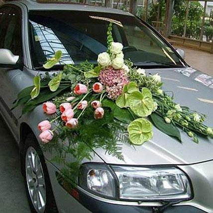 Premium Car Decoration: Wedding Flowers