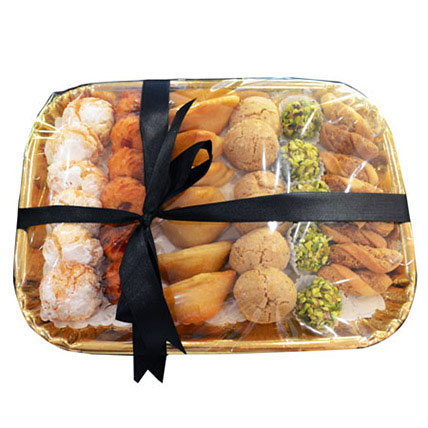 Deluxe Sweet N Savory Tray:  Gifts Delivery