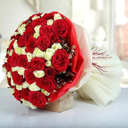 Bunch Of Red N White Roses: Gifts For Onam