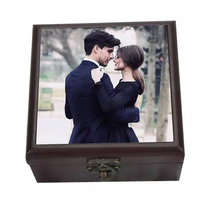Personalized Wooden Box: Personalised Gifts to Ajman