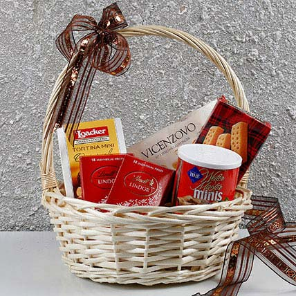 Basket Of Chocolates N More: Birthday Gift Hampers