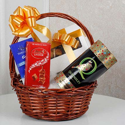 Scrumptious Gift Basket: Gifts For Holi