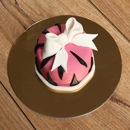 Designer Bow Mono Cake: