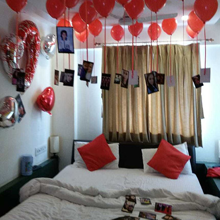 Personalised 25 Red Helium Balloons Decor: