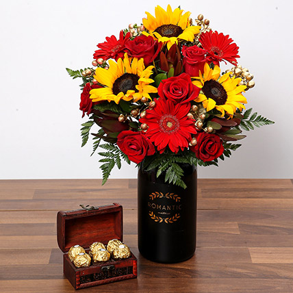 Sunlower and Roses With Chocolates: Sunflowers Bouquets