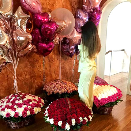Helium Magic With Baskets Of Flowery Love: Best Gift for Wife