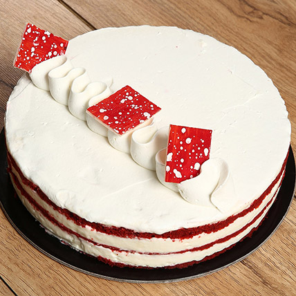 Delight Red Velvet Cake: Cake Delivery in Al Ain