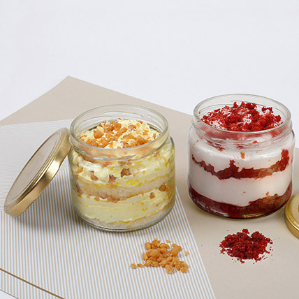 Butterscotch and Red Velvet Jar Cakes: Cake In a jar