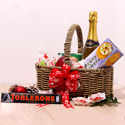 Chocolates And Juice Gift Basket: Gift Hampers