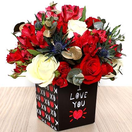 Love You Flower Vase: Valentine Flower Arrangements