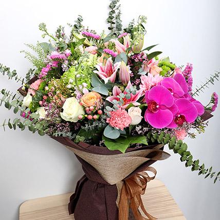 Vibrant Mixed Flower Bouquet: Wedding Flowers