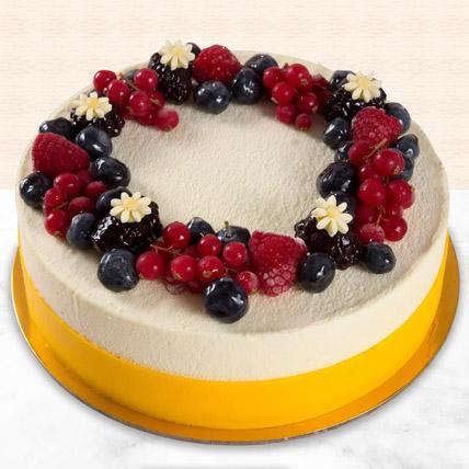 Yummy Vanilla Berry Delight Cake: Cakes in Sharjah