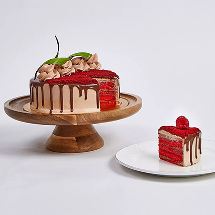 Chocolaty Red Velvet Cake: Birthday Cakes Dubai
