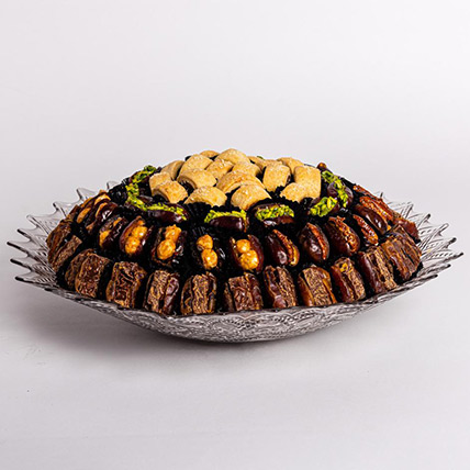 Stuffed Dates and Maamoul Tray: Gift Hampers
