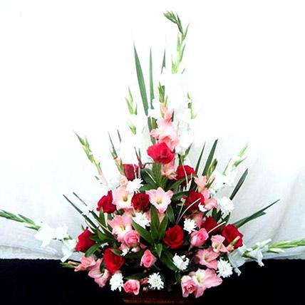 Beautiful Flower Basket: Flower Delivery Pakistan