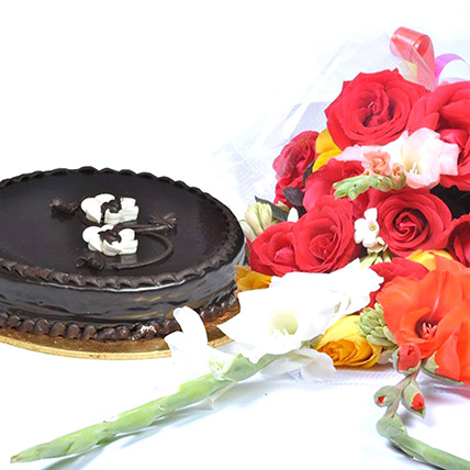 Chocolate Fudge Cake N Floral Bouquet: Pakistan Gift