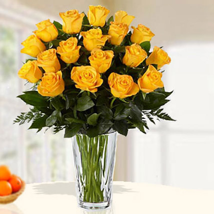 18 Yellow Roses Arrangement QT: Send Gifts to Qatar