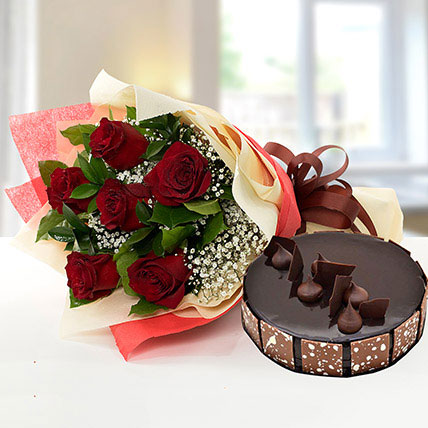 Elegant Rose Bouquet With Chocolate Cake QT: Send Gifts to Qatar