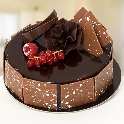 4 Portion Fudge Cake: Cake Delivery in Saudi Arabia