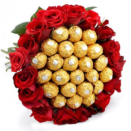 Big Bunch of Chocolates N Roses:  Flower Delivery Sri Lanka